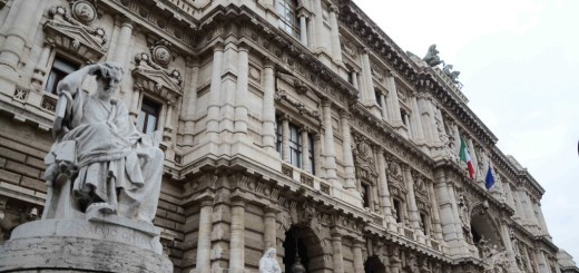 ROMA: ANTONIO DI PIETRO IN CASSAZIONE PER DOPOSITARE REFERENDUM SU RIMBORSI PARTITI