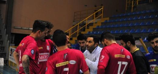 Mister Toscano a colloquio con la squadra