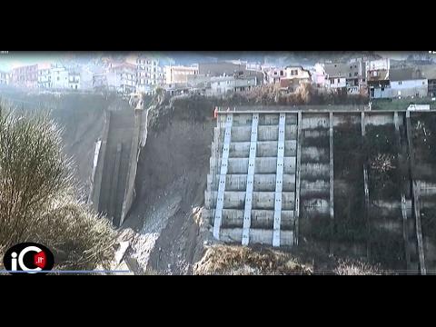 Longobucco dissesto ulteriore crollo parete macrocioli for Cabine del torrente grave