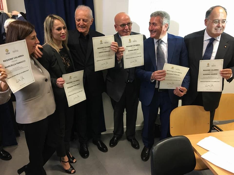 Presidente oliverio ha premiato a milano sei ambasciatori for Premiato piano casa artigiano