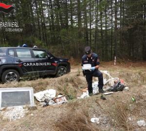 rifiuti carabiniere